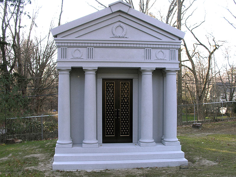 Family crypt walk in greenville marble granite Mausoleum design